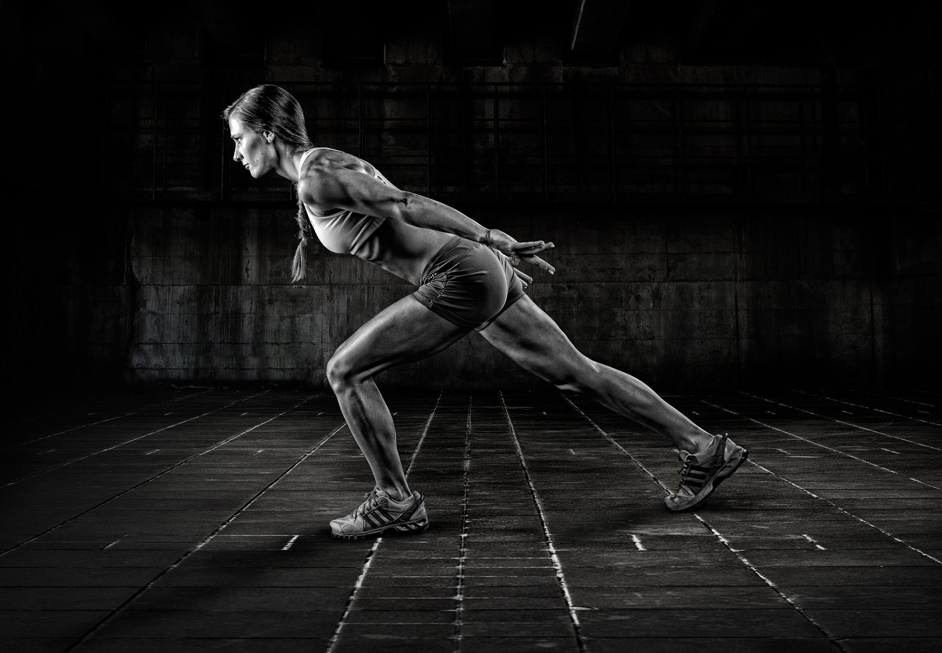 leilani-fitness-photography-gritty-black-and-white-brandon-barnard-professional-photographer.jpg