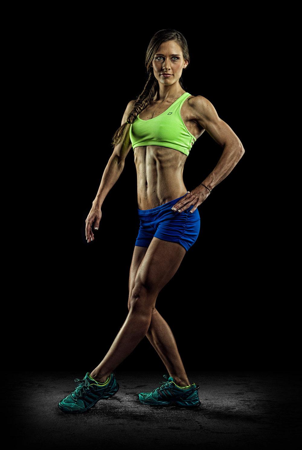 leilani-fitness-photography-front-side-on-black-brandon-barnard-professional-photographer.jpg